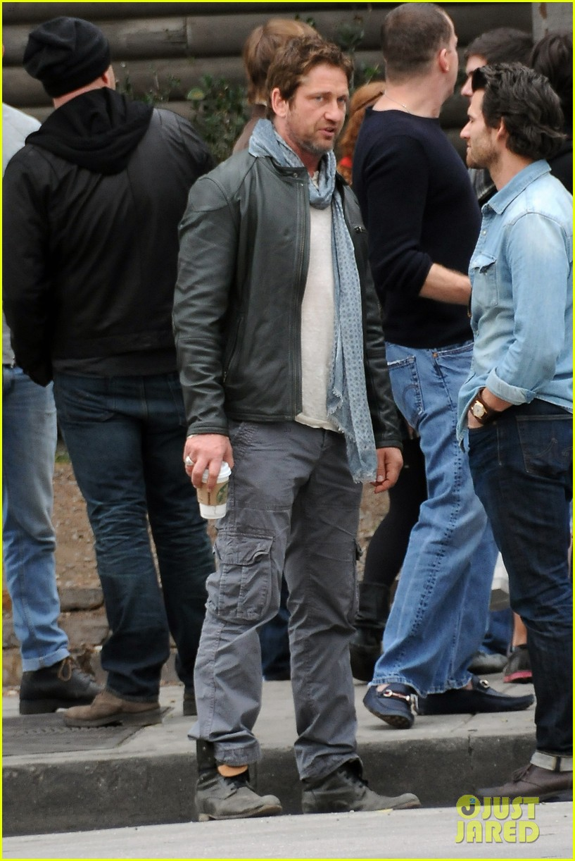 gerard butler steps out as gods of egypt casts more actors 363044446