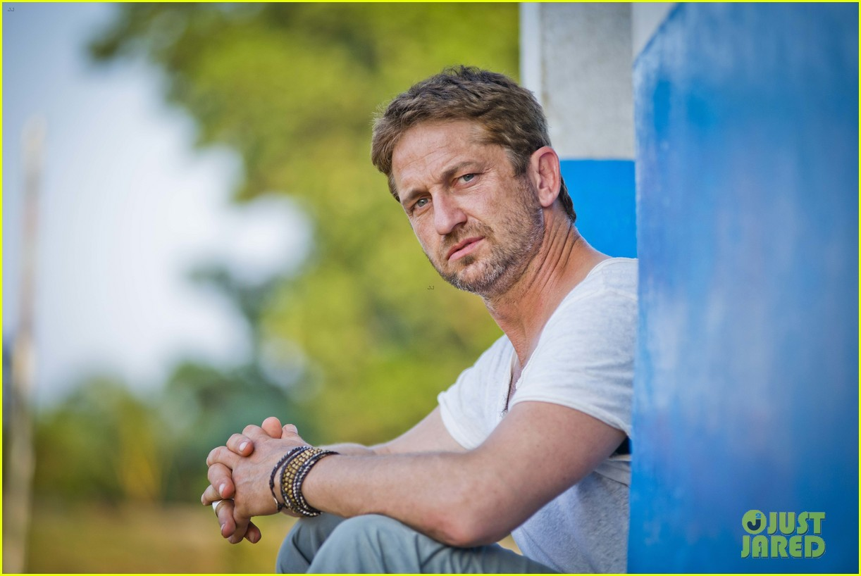 gerard butler visits liberia with marys meals all the photos 110 Gerard Butler