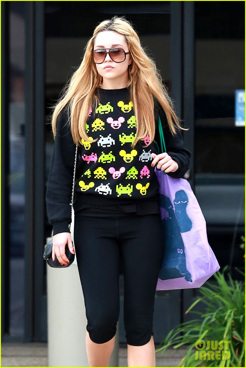 amanda bynes keeps up fitness regimin as school is in full swing 193045034