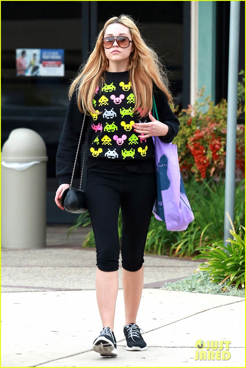 amanda bynes keeps up fitness regimin as school is in full swing 233045038