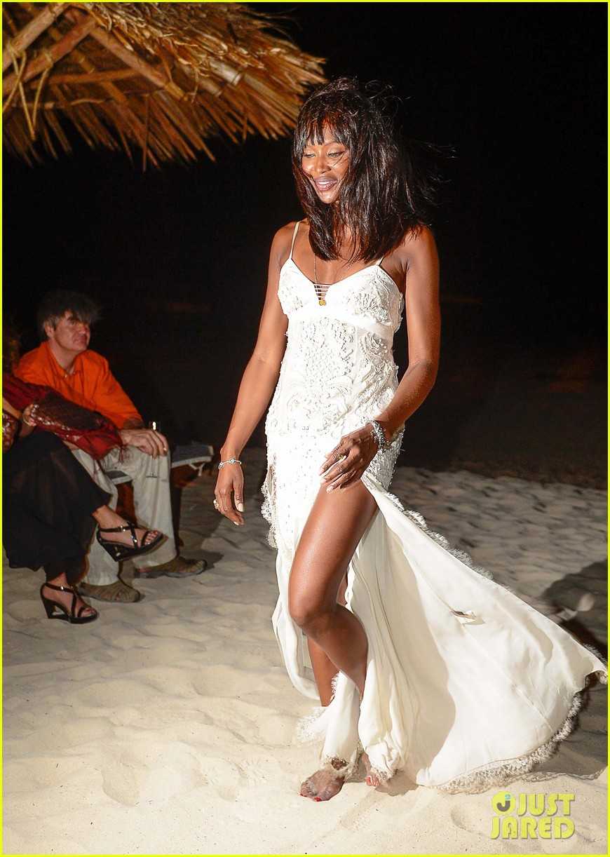 naomi campbell new years eve on the beach in kenya 183021287