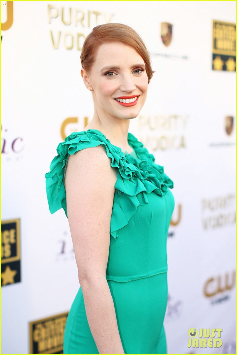 jessica chastain critics choice movie awards 2014 red carpet 093032904