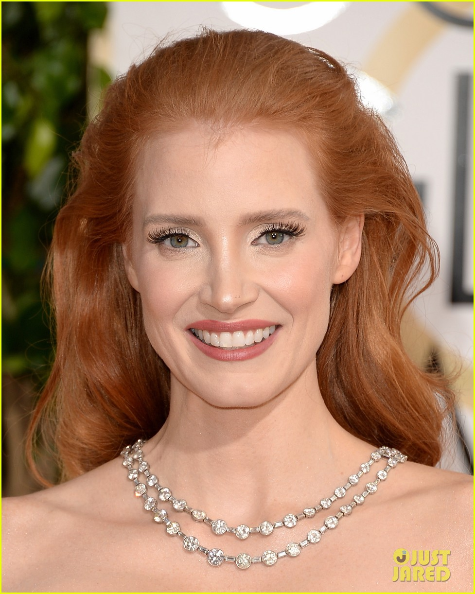 jessica chastain golden globes 2014 red carpet 023029311