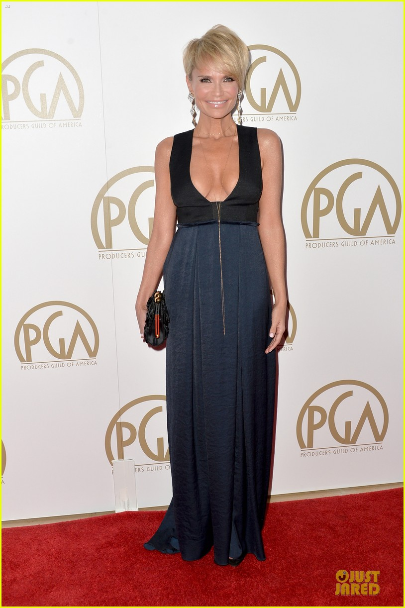kristin chenoweth producers guild awards 2014 red carpet 01