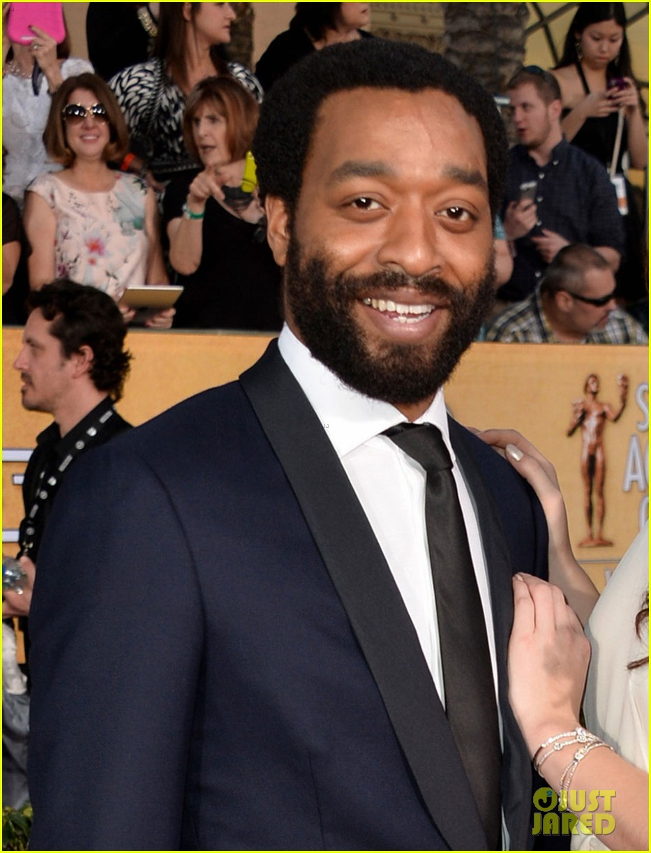 chiwetel ejiofor barkhad abdi sag awards 2014 red carpet 013034847