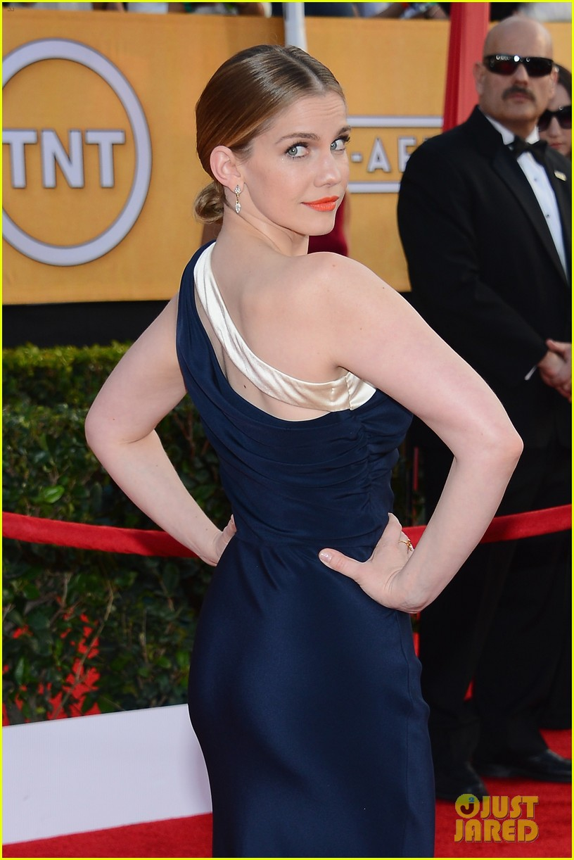 anna chlumsky sag awards 2014 red carpet 033034574