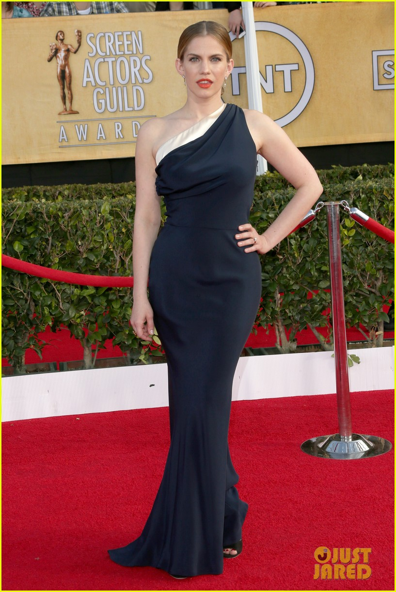 anna chlumsky sag awards 2014 red carpet 073034578