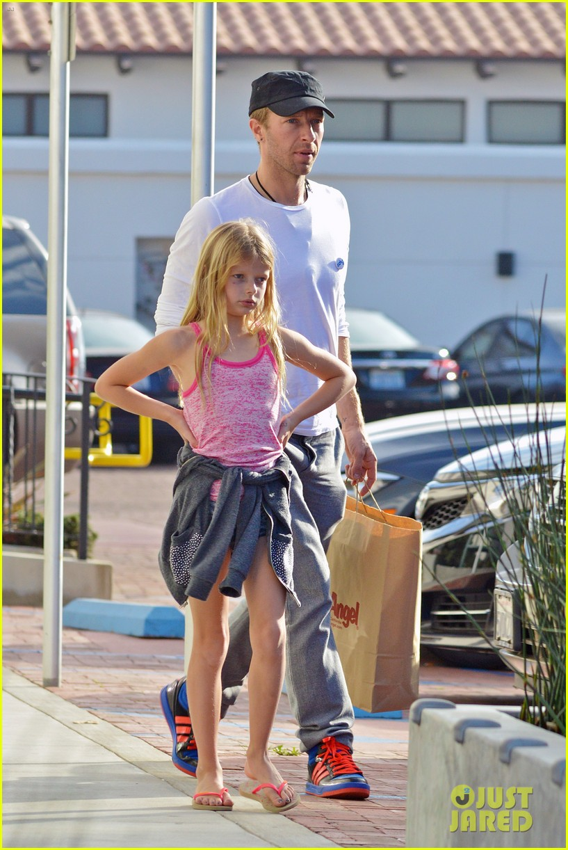 chris martin father daughter day with apple 013040609