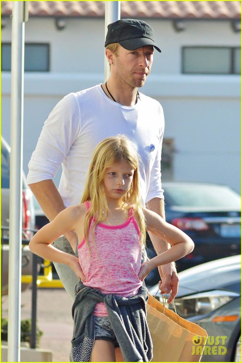 chris martin father daughter day with apple 073040615
