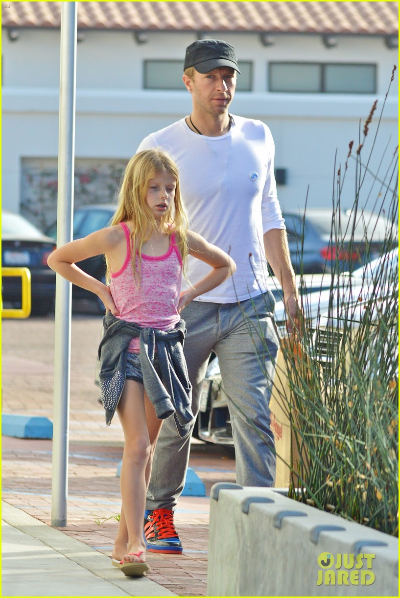 chris martin father daughter day with apple 093040617