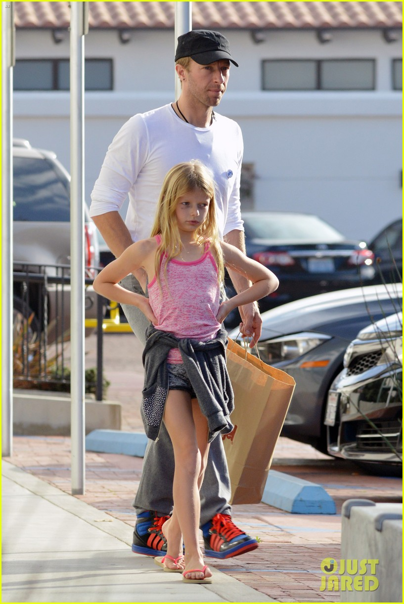 chris martin father daughter day with apple 143040622