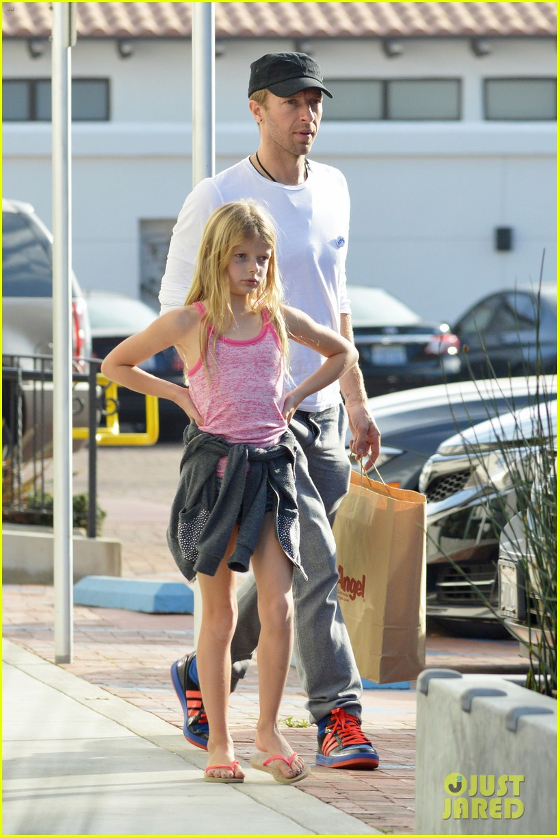 chris martin father daughter day with apple 153040623