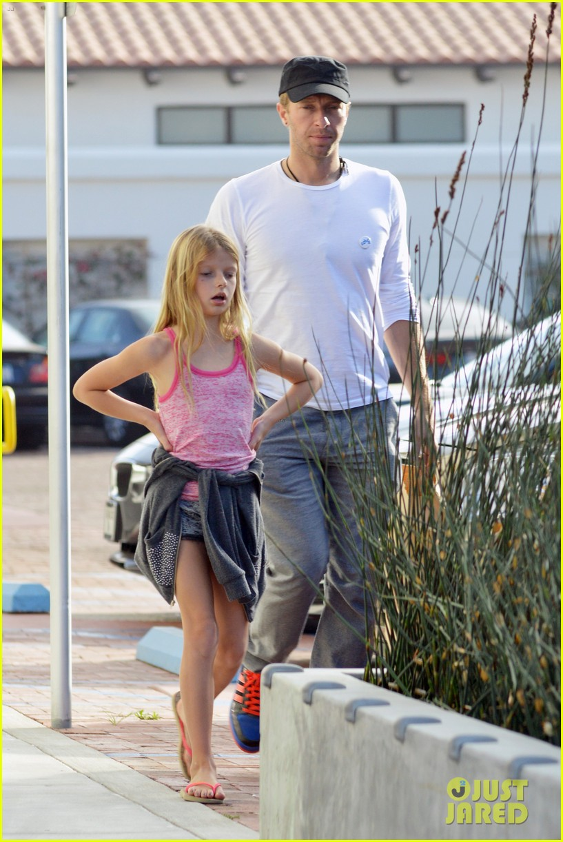 chris martin father daughter day with apple 193040627