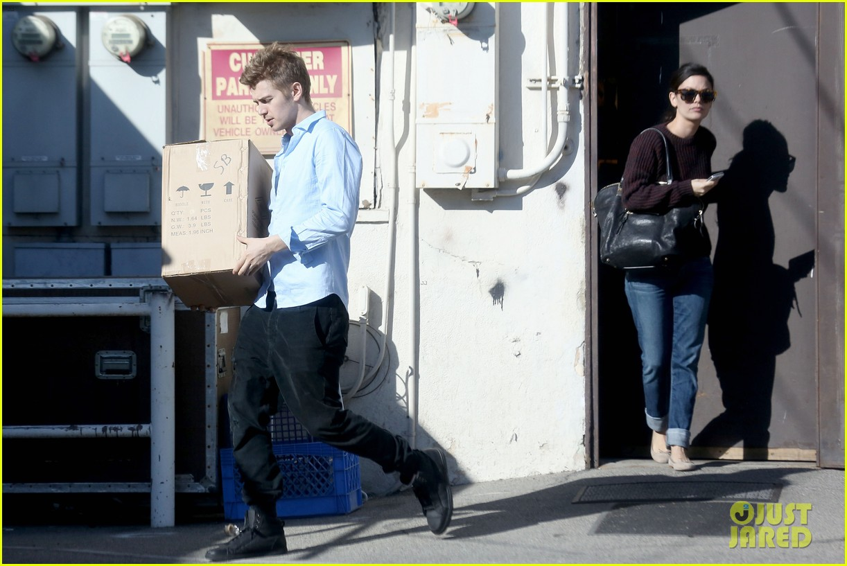 hayden christensen rachel bilson still decorating new house 093043730