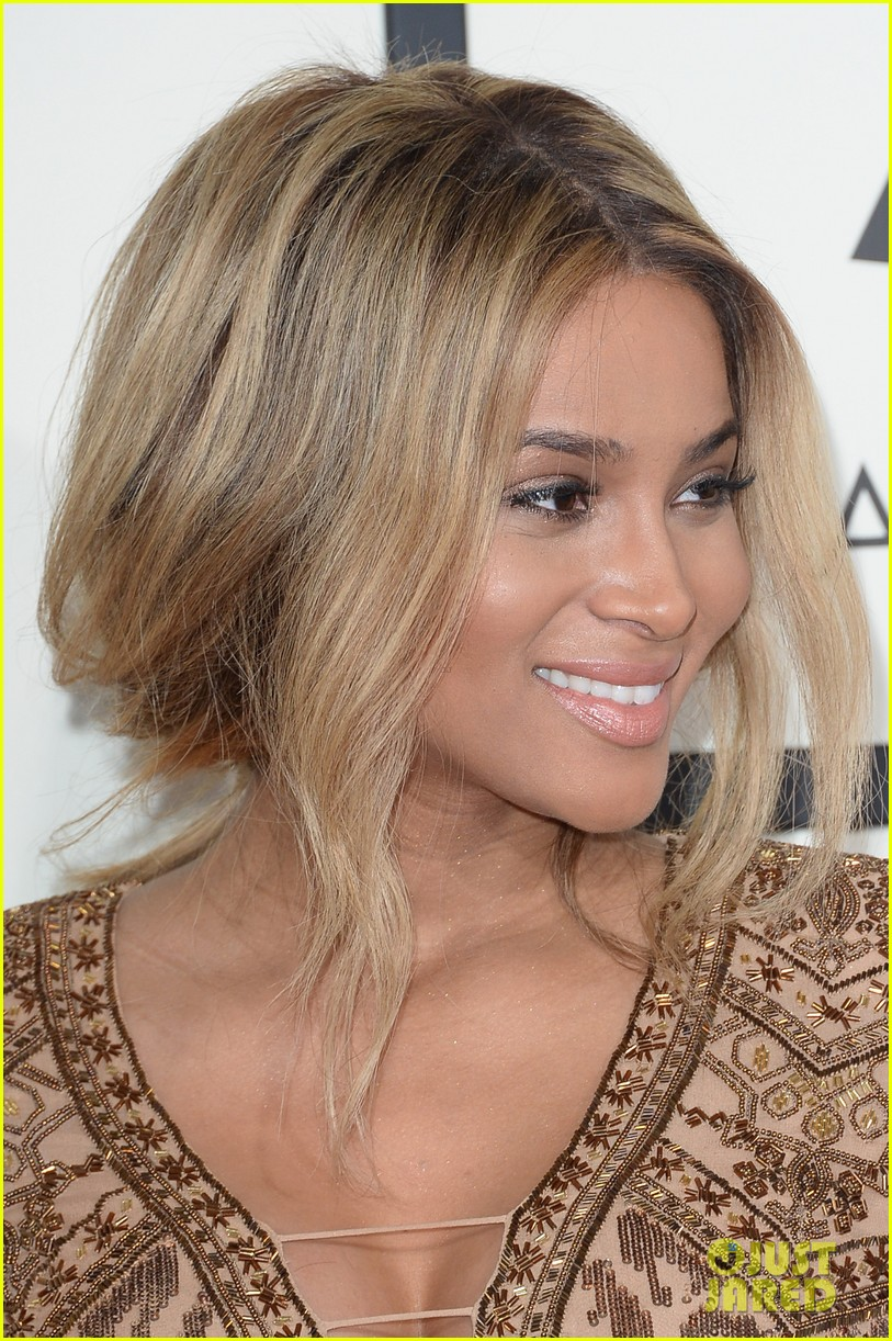 pregnant ciara grammys 2014 red carpet 043041180