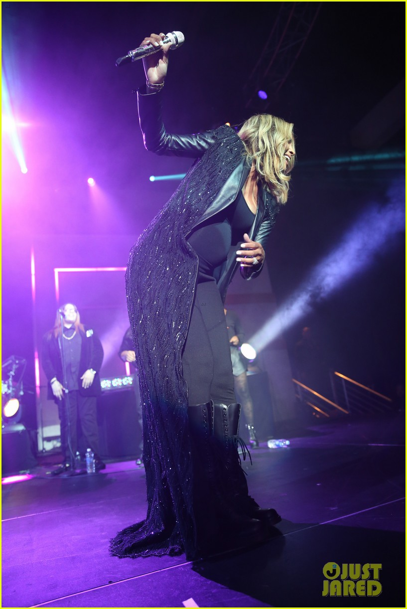 pregnant ciara performs at official grammys 2014 after party 03