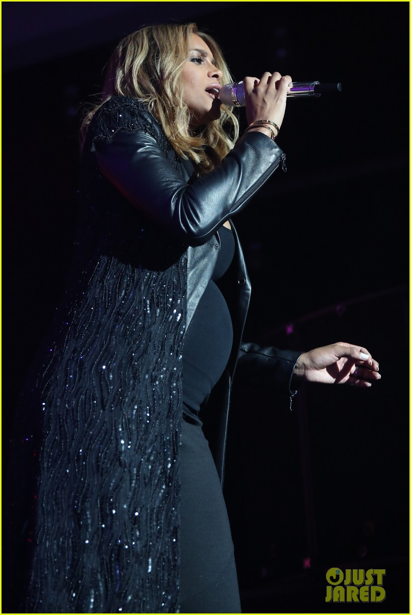 pregnant ciara performs at official grammys 2014 after party 073042010