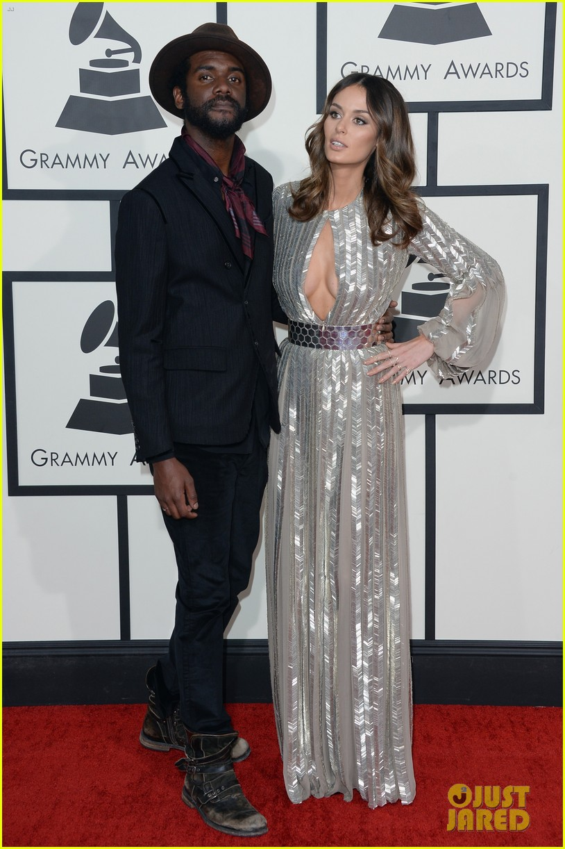 gary clark jr grammys 2014 with girlfriend nicole trunfio 01