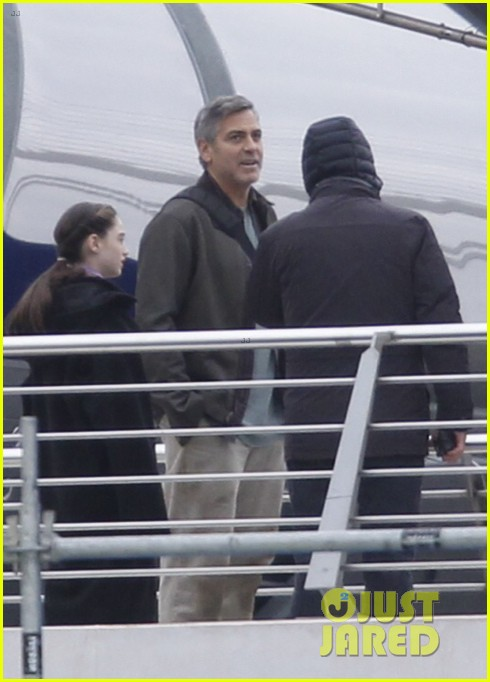 george clooney begins filming tomorrowland in spain 013036921