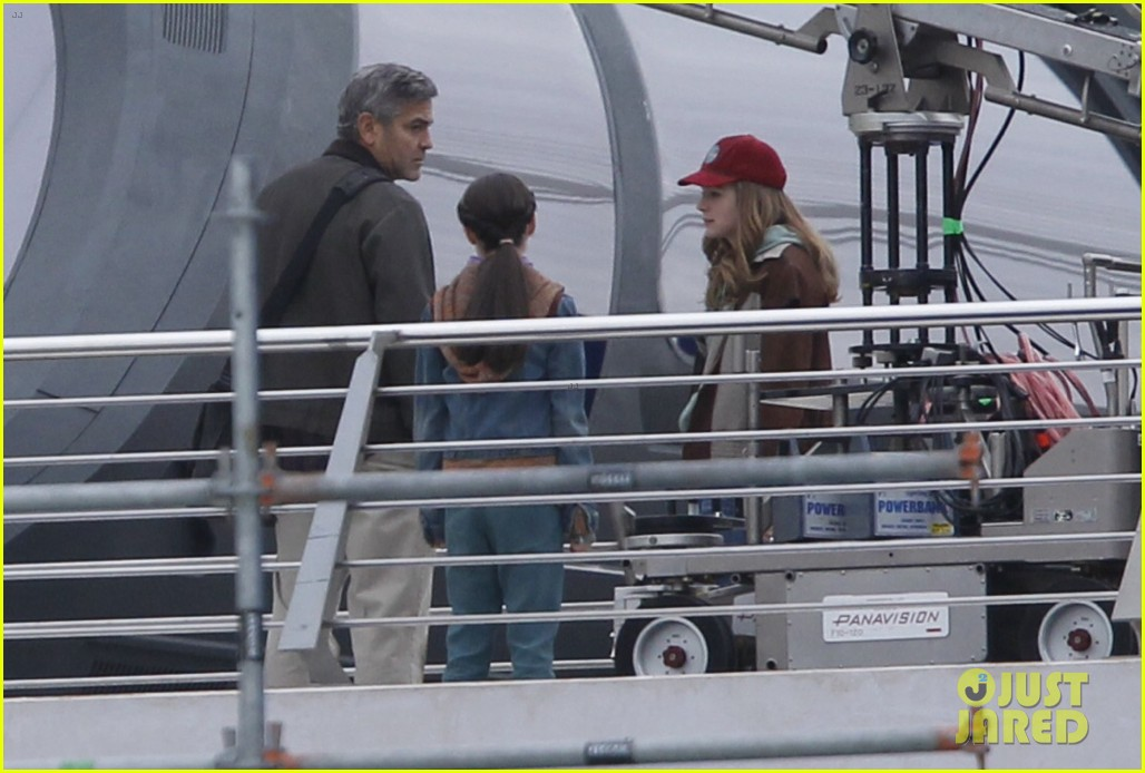 george clooney begins filming tomorrowland in spain 143036934
