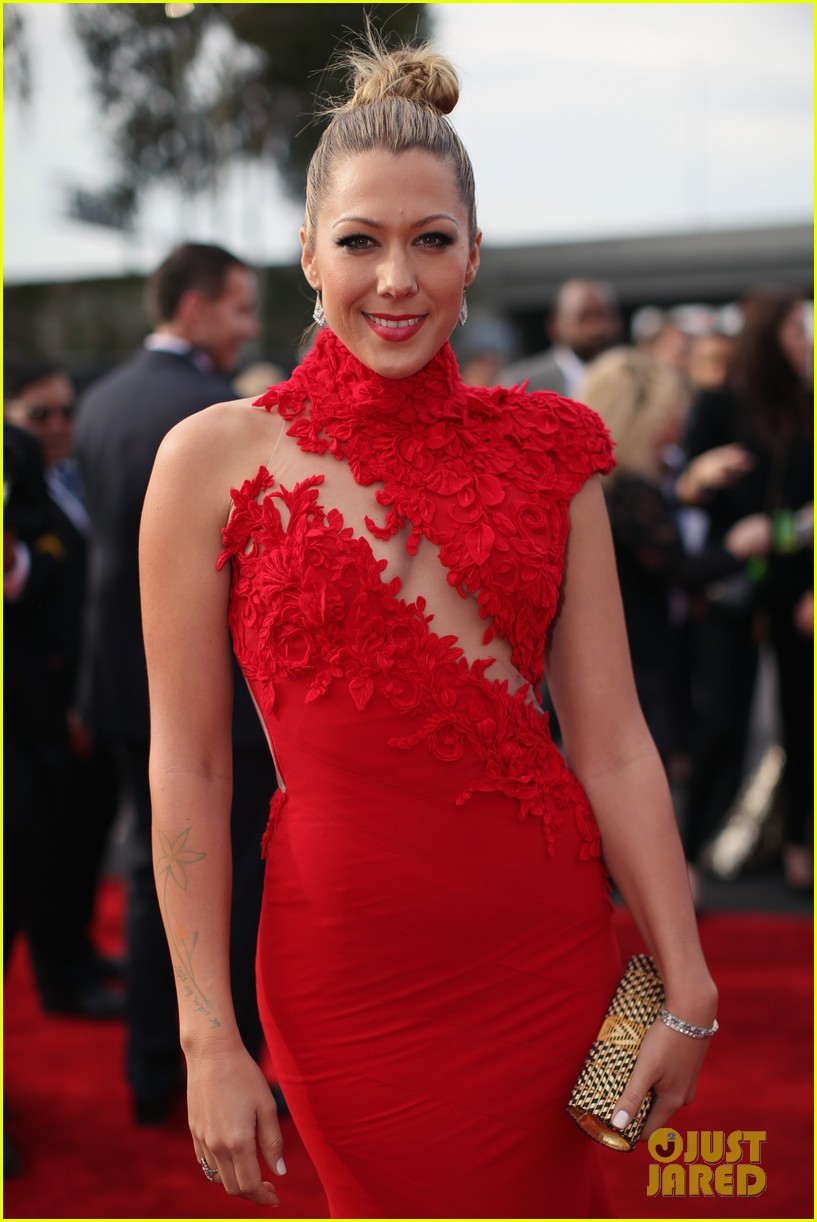 colbie caillat grammys 2014 red carpet 033040948