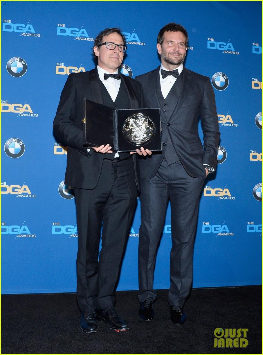 bradley cooper honors david o russell at dga awards 2014 013040360