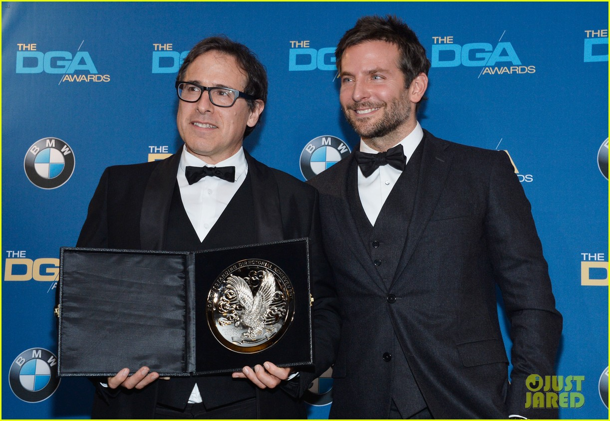 bradley cooper honors david o russell at dga awards 2014 043040363
