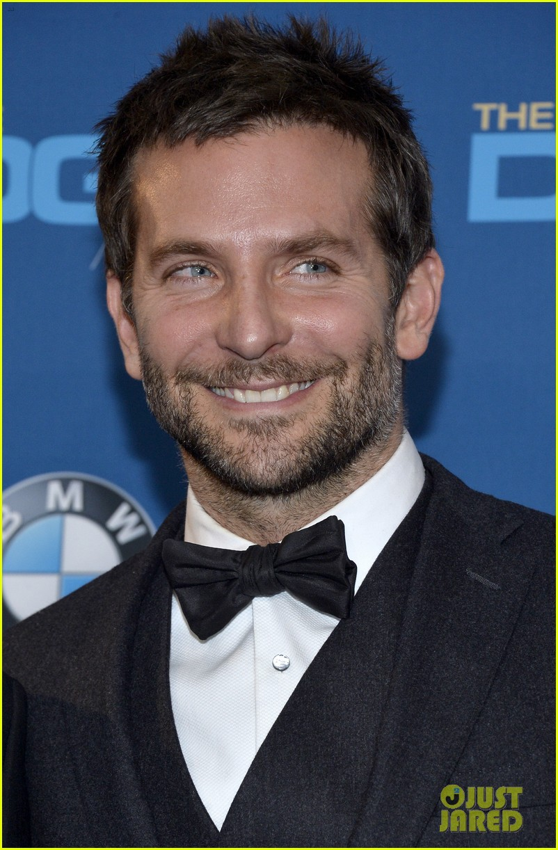 bradley cooper honors david o russell at dga awards 2014 073040366