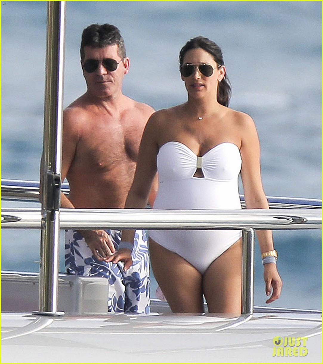 simon cowell very pregnant girlfriend relax on a yacht 023023648