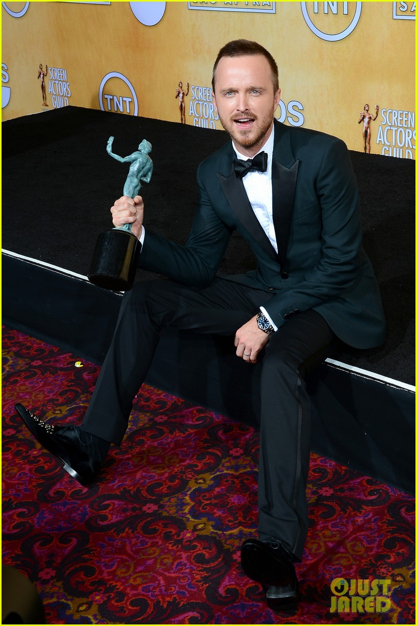 aaron paul bryan cranston sag awards 2014 033034869