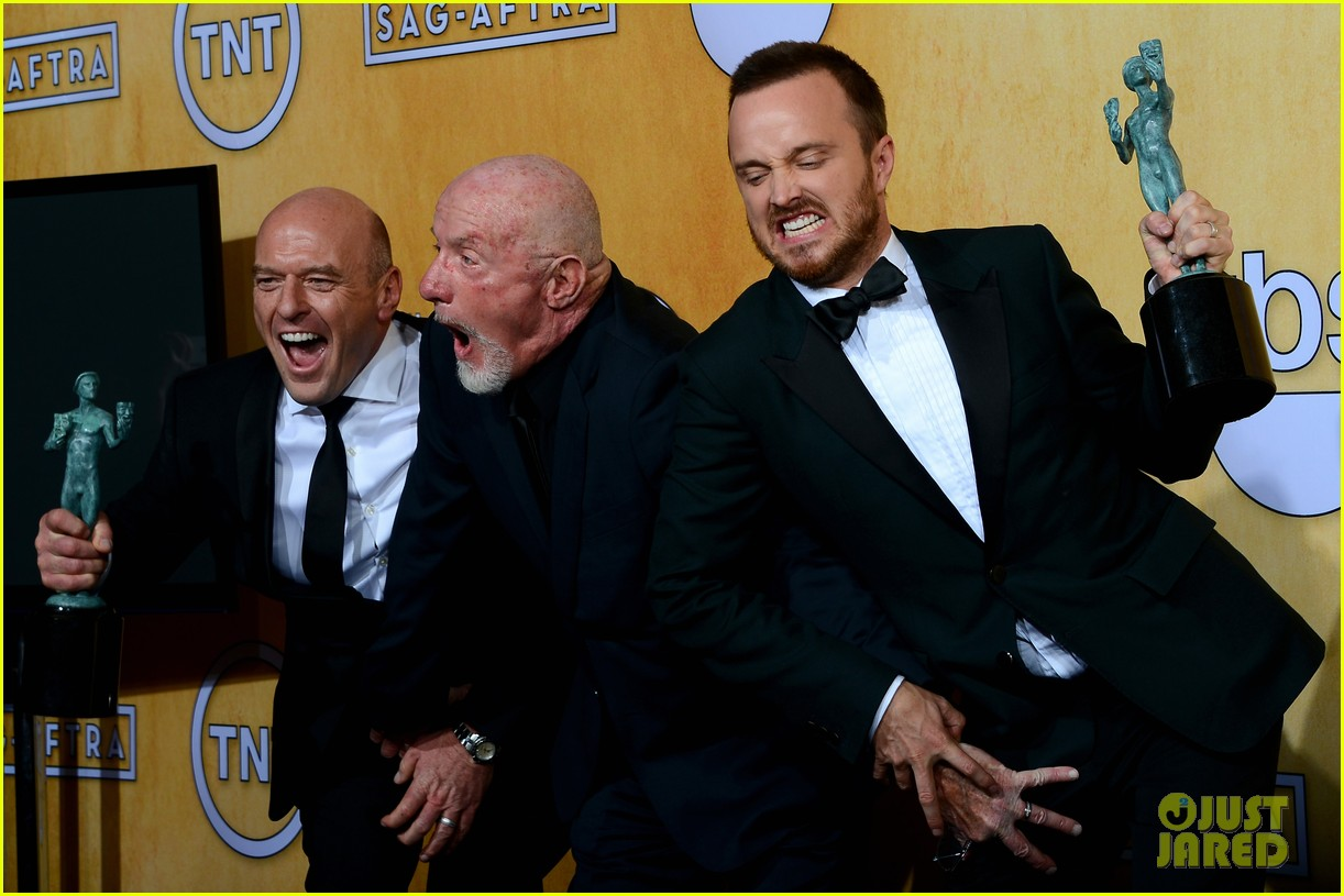 aaron paul bryan cranston sag awards 2014 123034878