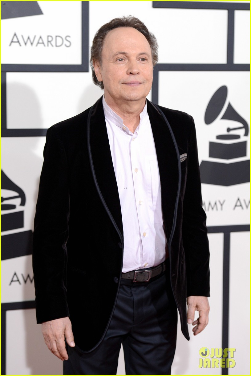billy crystal grammys 2014 red carpet 033040868