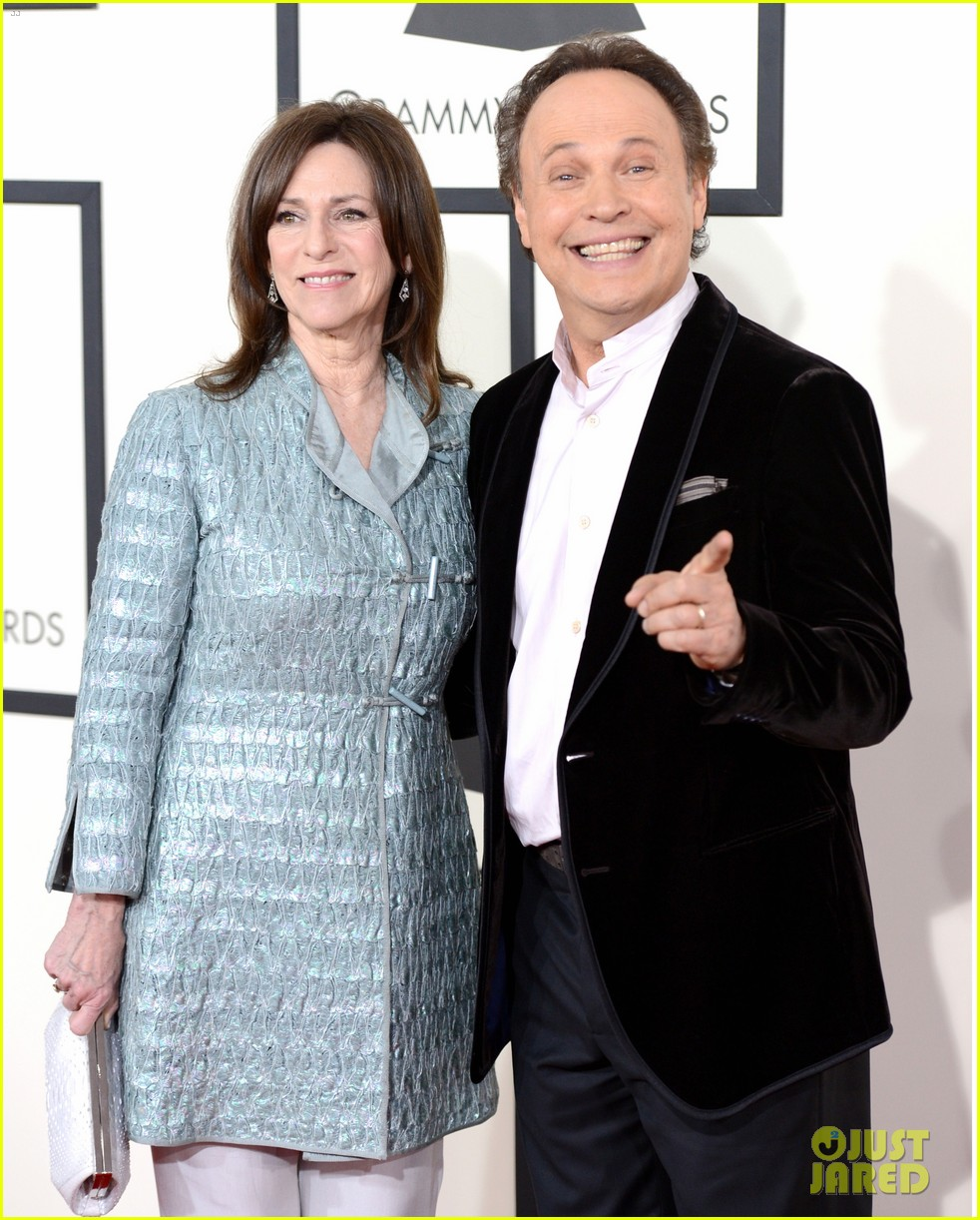 billy crystal grammys 2014 red carpet 053040870