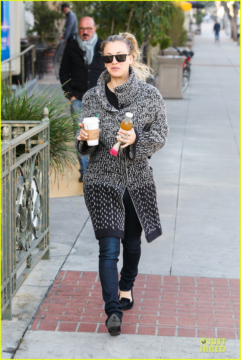 kaley cuoco big bang theory thursday episode brings largest audience ever 083027482