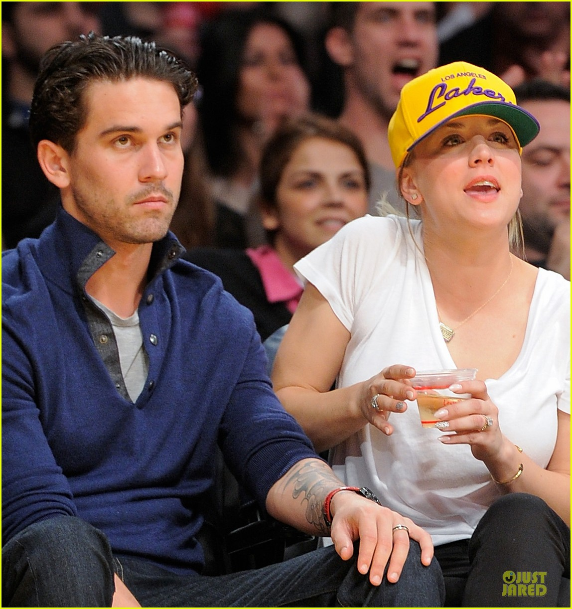 High Quality Kaley Cuoco Shows Off Wedding Ring At Lakers Game!