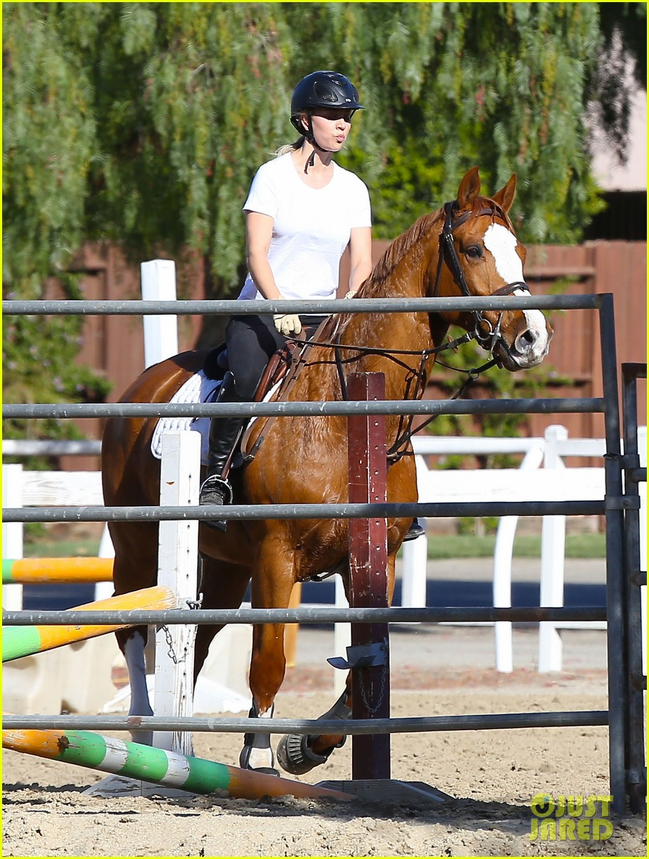 kaley cuoco goes horseback riding after her wedding 103021753