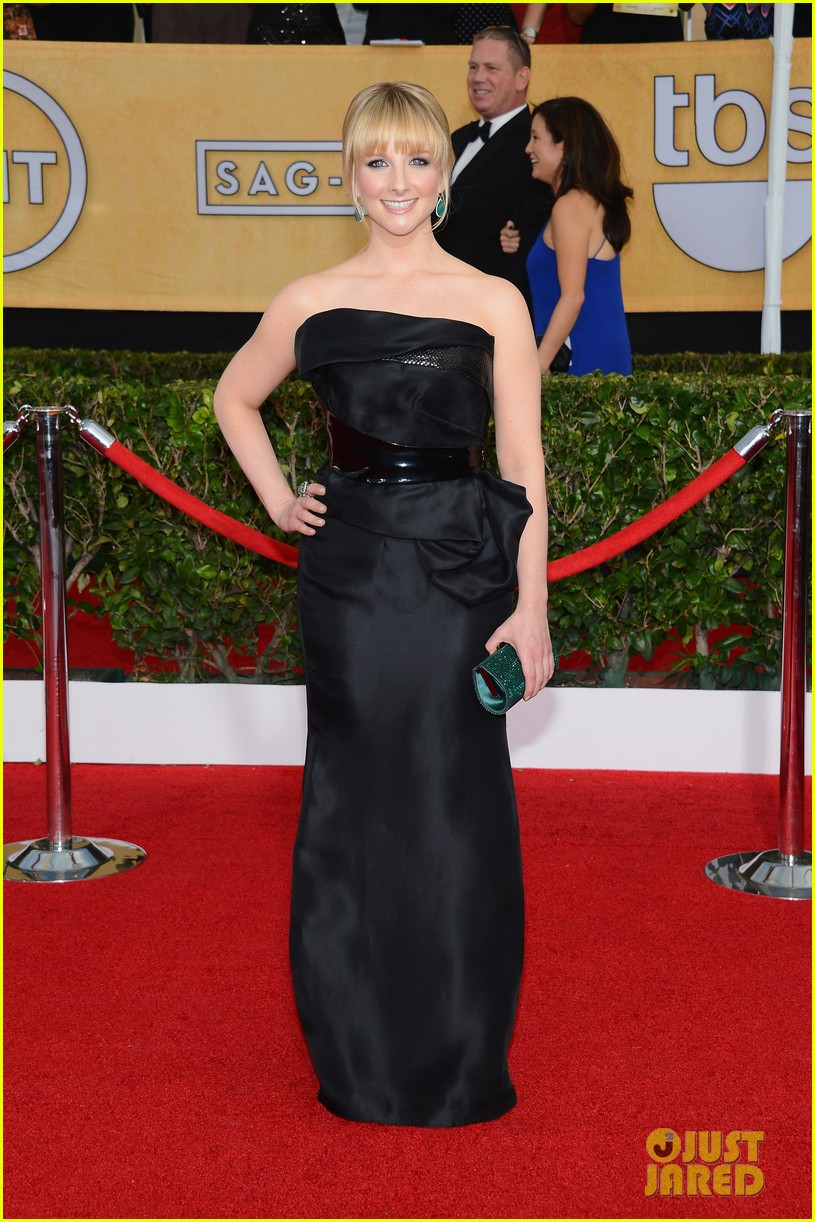 kaley cuoco ryan sweeting sag awards 2014 red carpet 03
