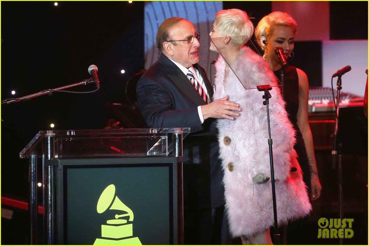 miley cyrus performs at clive davis grammys gala video 04