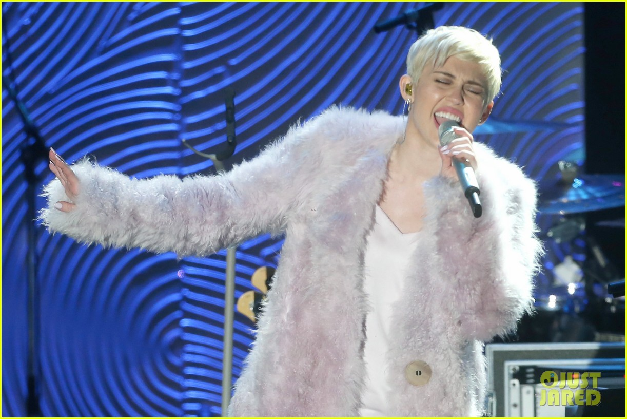 miley cyrus performs at clive davis grammys gala video 143040550