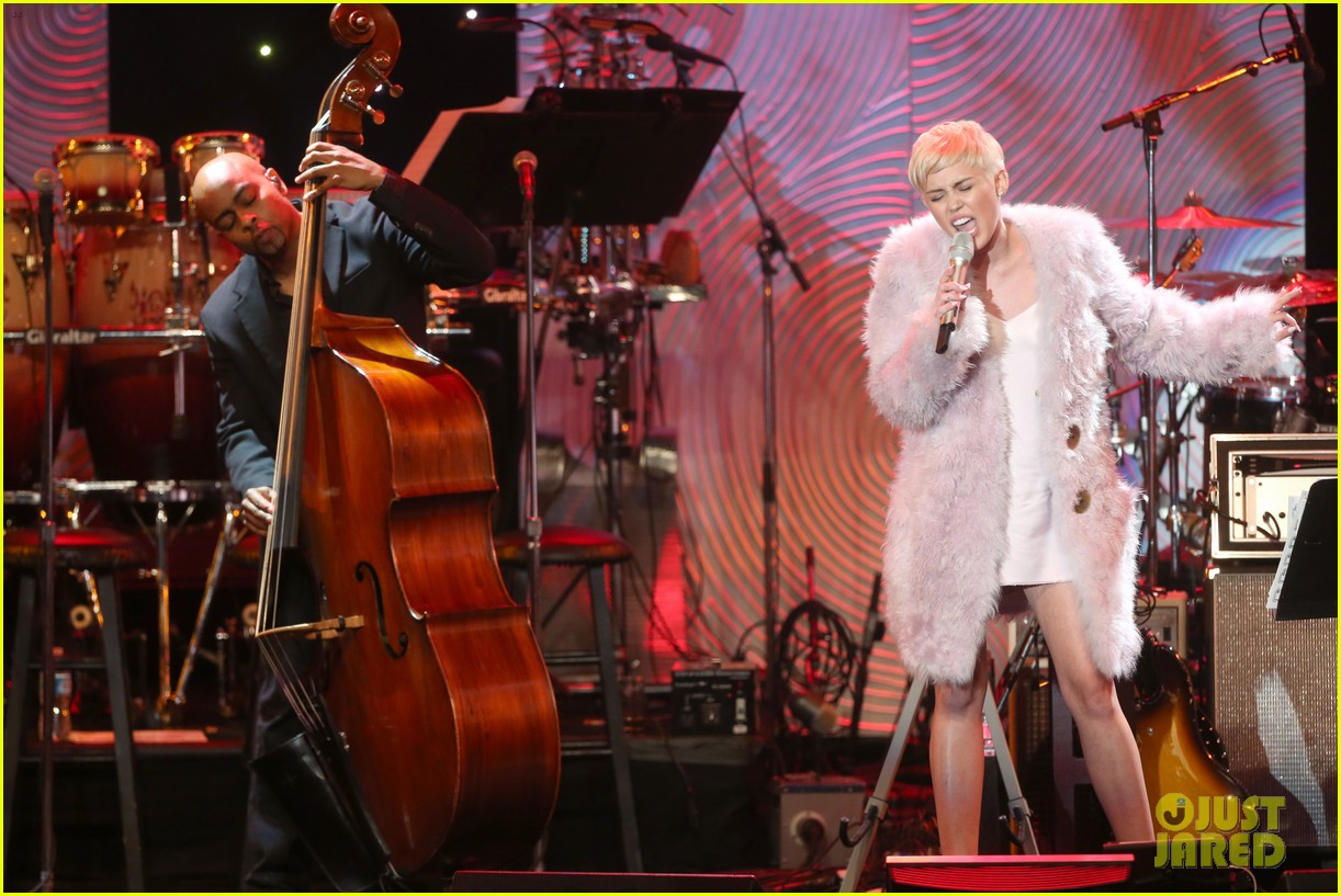 miley cyrus performs at clive davis grammys gala video 183040554