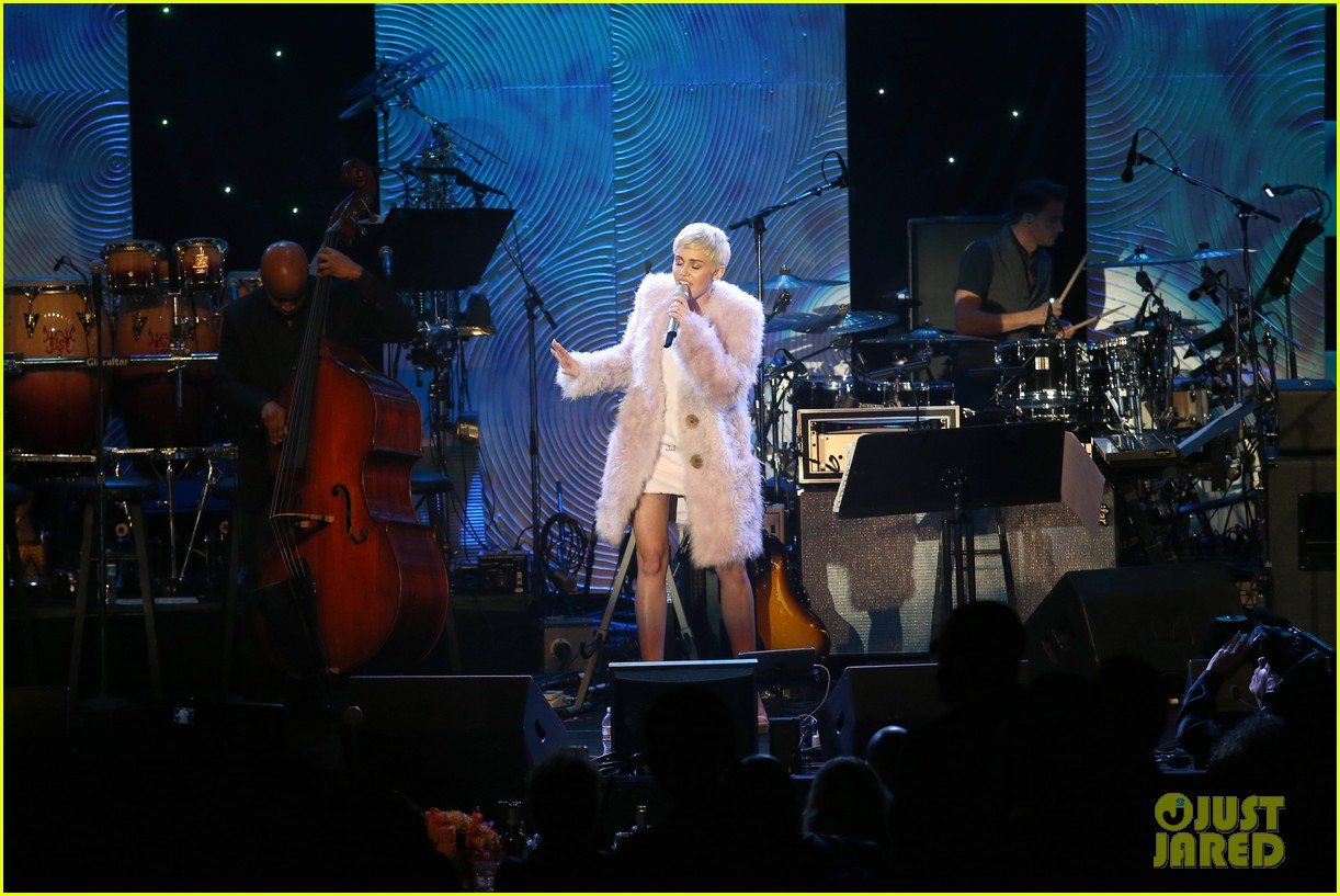 miley cyrus performs at clive davis grammys gala video 213040557