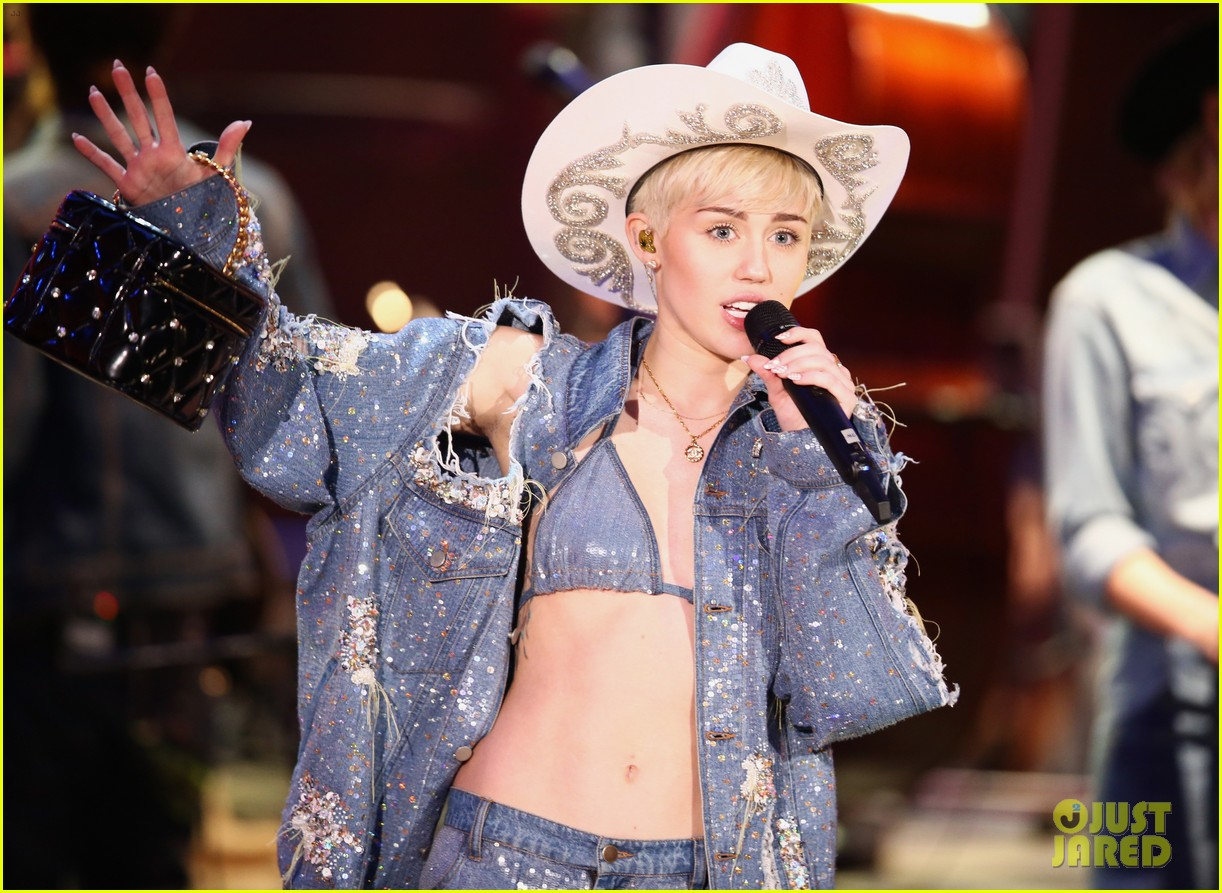 watch every miley cyrus mtv unplugged performance here 143043836