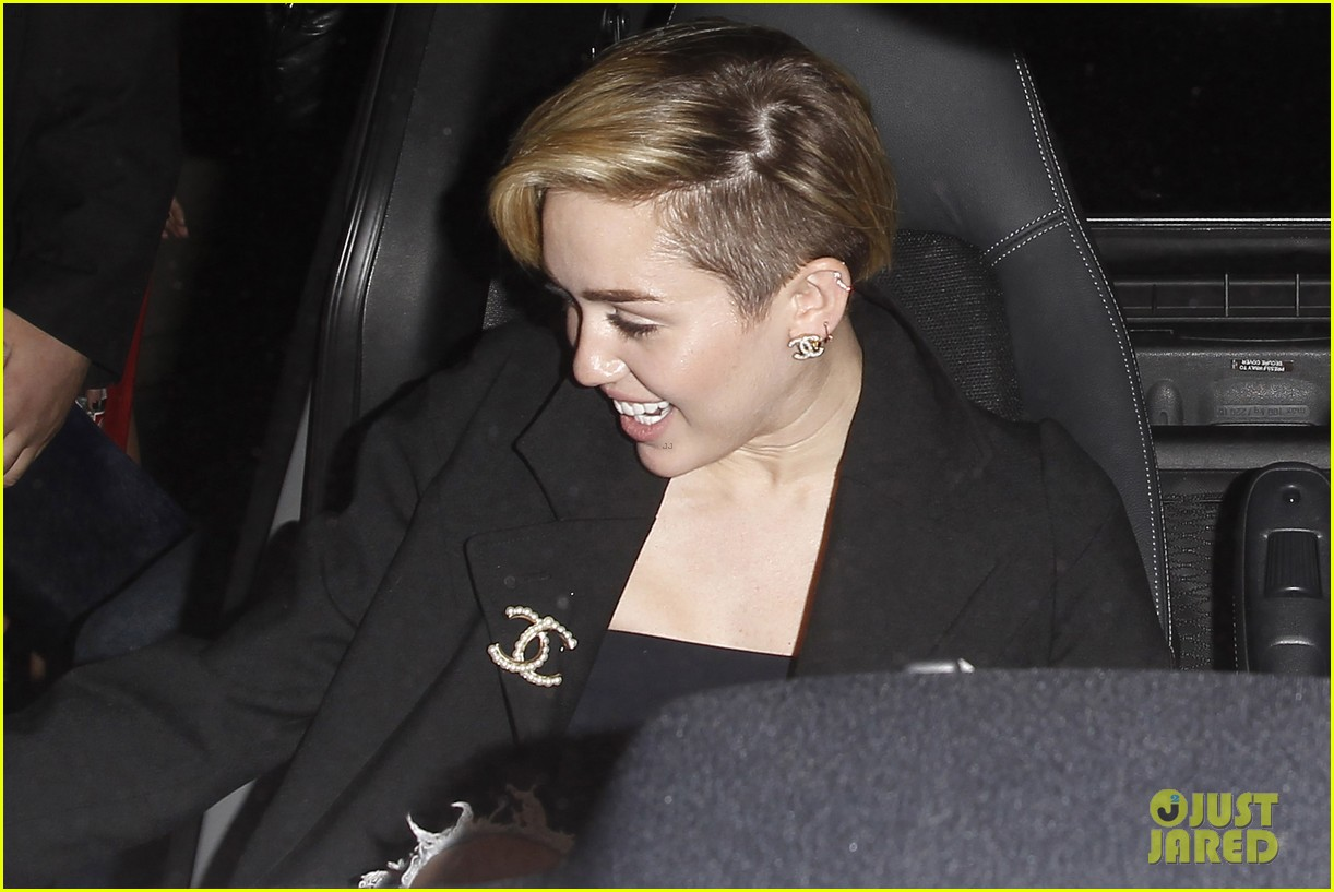 miley cyrus warwick night out after new years 073021957