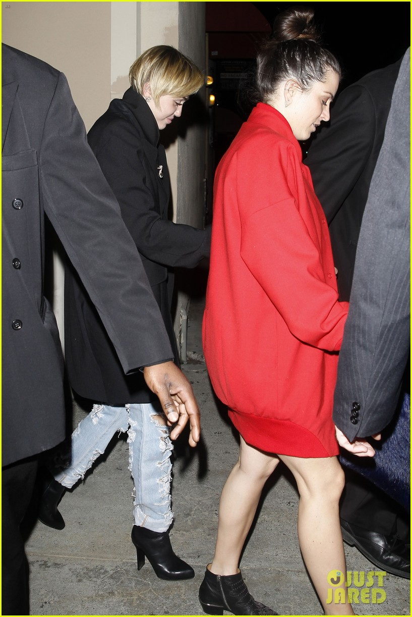 miley cyrus warwick night out after new years 103021960