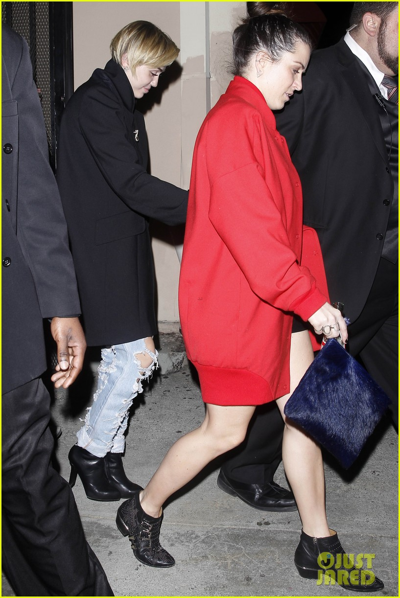 miley cyrus warwick night out after new years 113021961