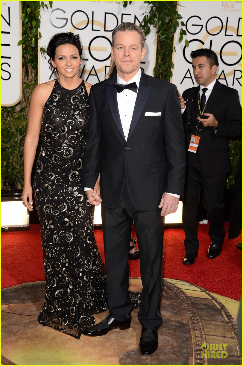 matt damon golden globes 2014 with wife luciana 053029481
