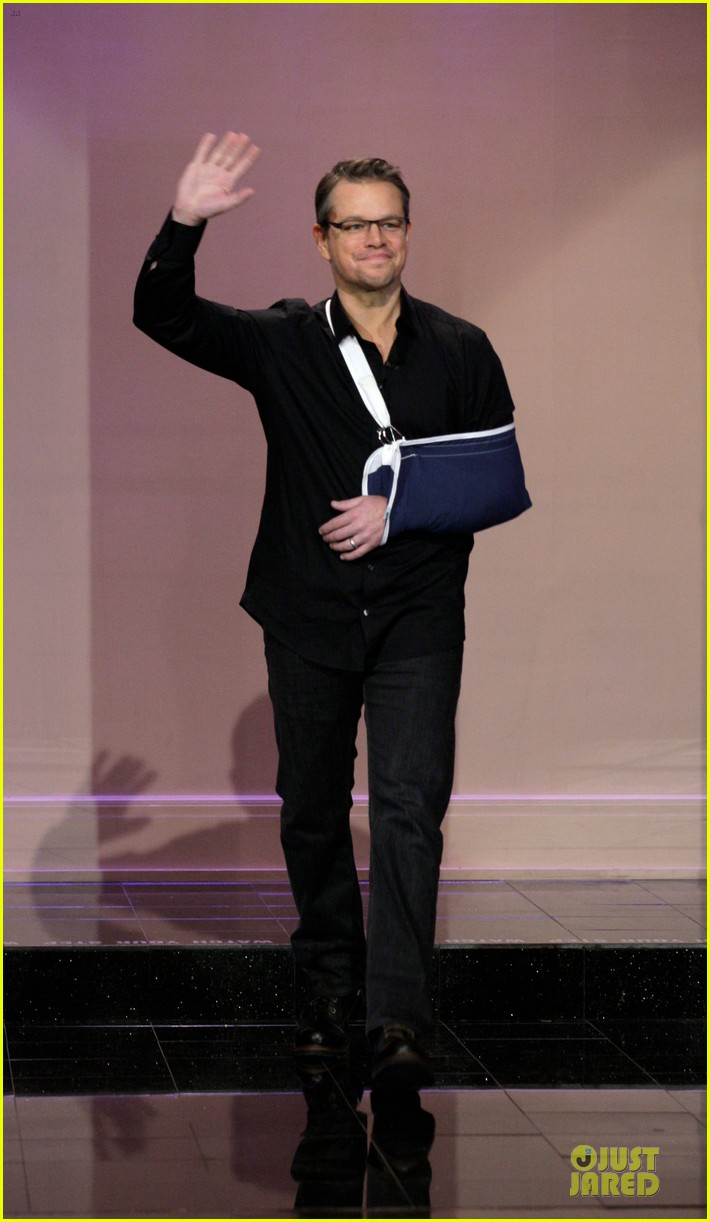 matt damon wears arm sling on tonight show with jay leno 013031532