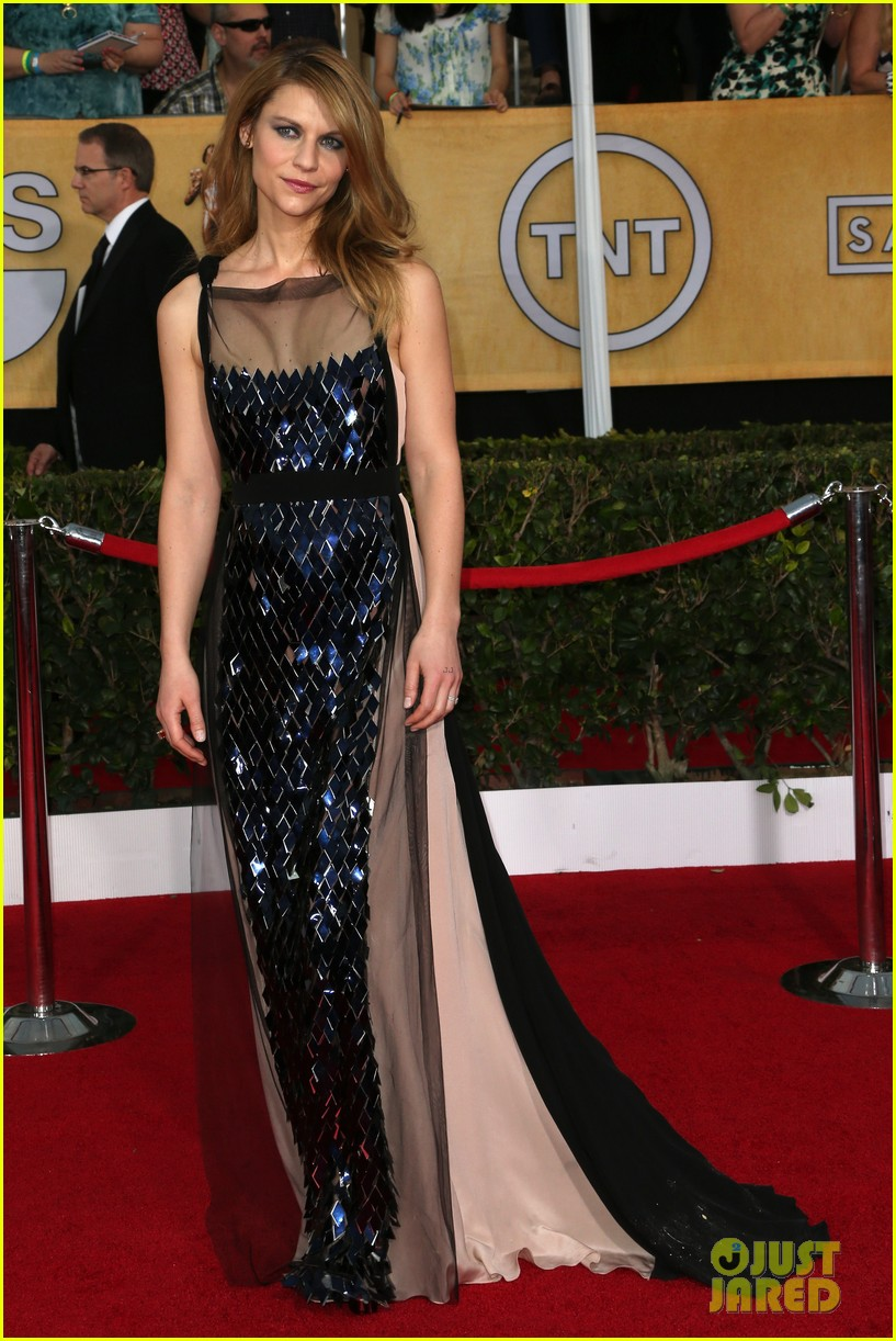 claire danes sag awards 2014 red carpet with hugh dancy 033034781