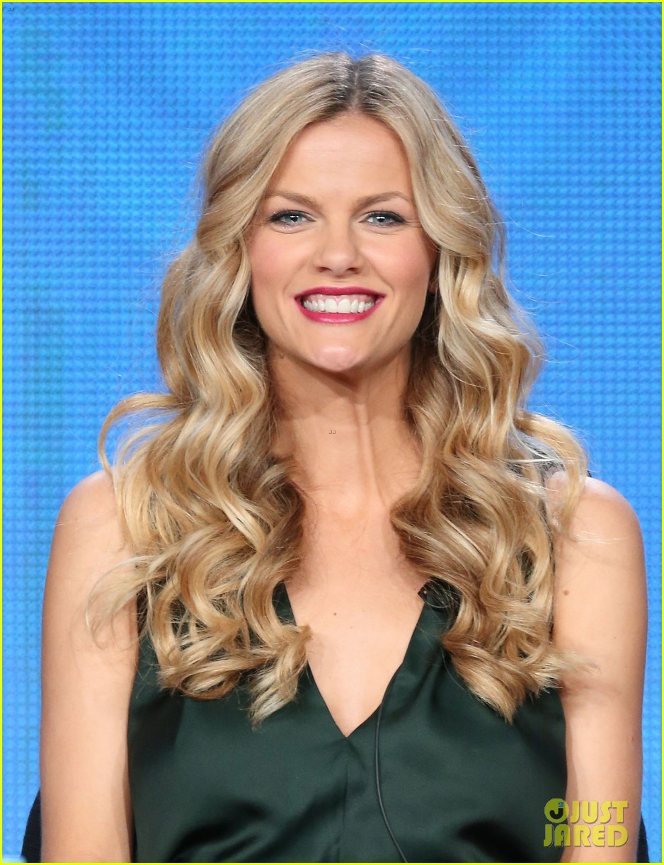 brooklyn decker james van der beek cbs tca panel 2014 06