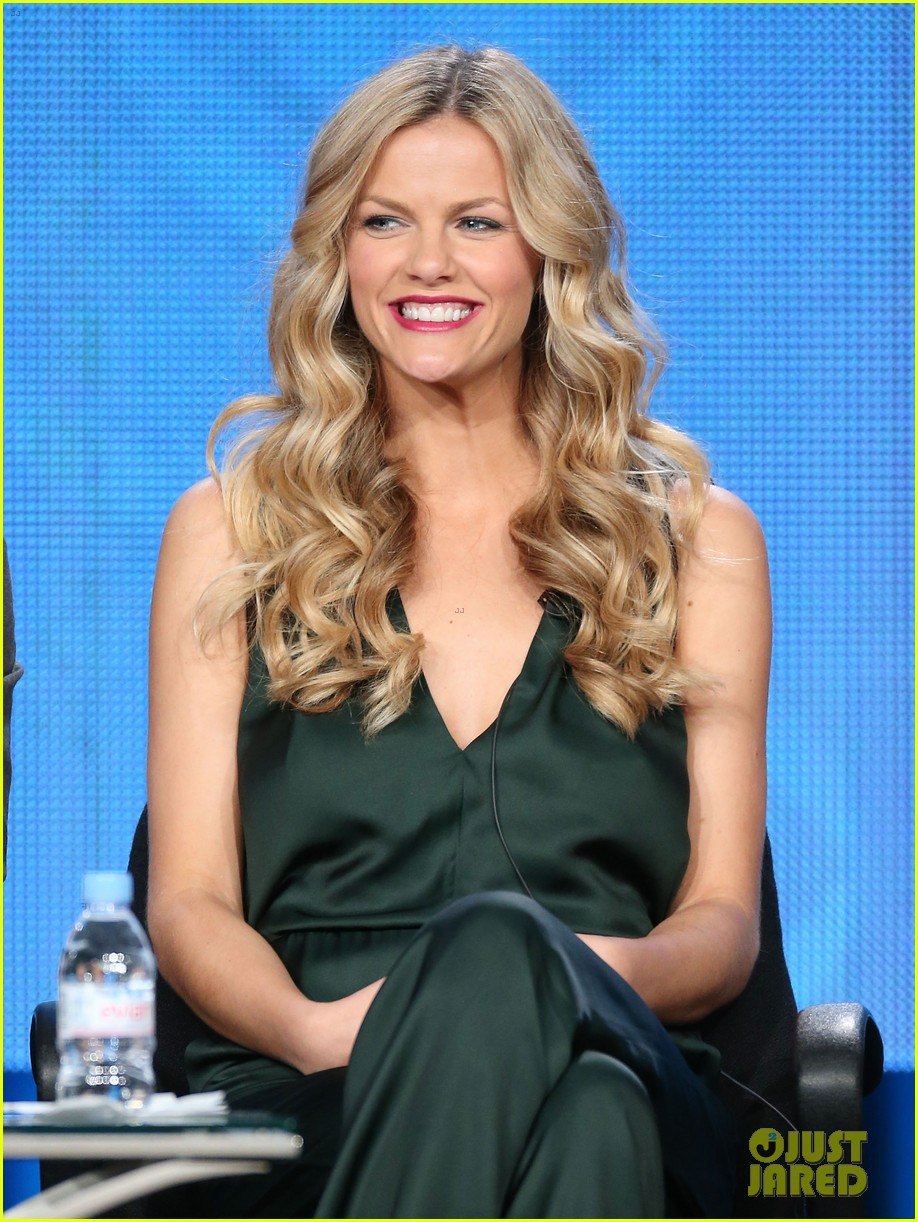 brooklyn decker james van der beek cbs tca panel 2014 193032178
